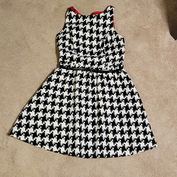 Jessica Simpson Fit & Flare Houndstooth Dress 8